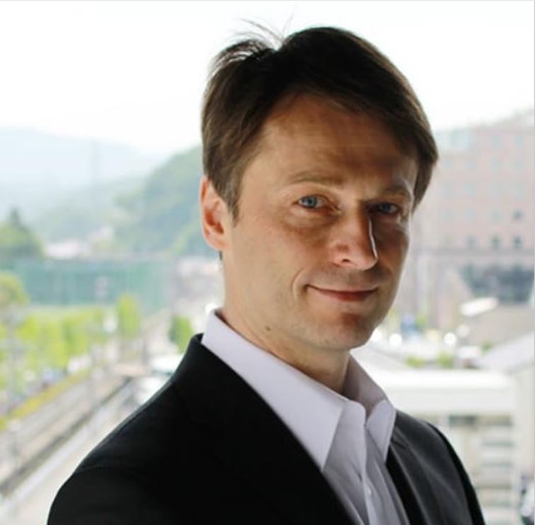 Dr. Achim Bayer